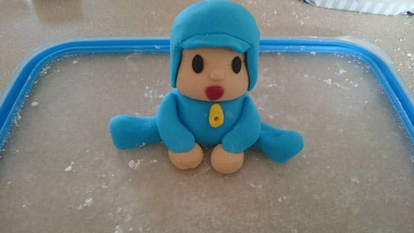 Photo of How to make a Pocoyo Fondant Cake Topper