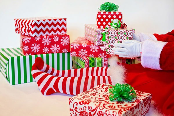 Photo of Stop Trying To Make Christmas Magical With Presents