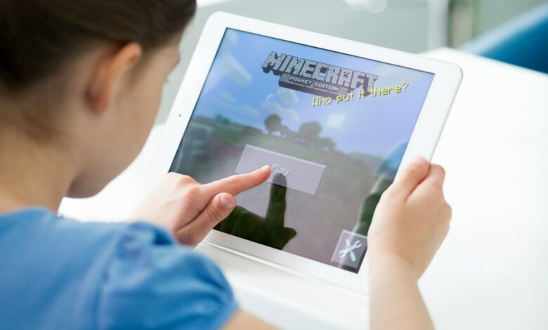 Photo of 5 Ways To Play Minecraft With Your Kids
